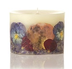 Rosy Rings Boheme pansy candle