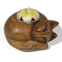 Wooden cat candle holder with flower shaped tealight
