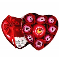 Heart shaped rose soap and apple candle gift set