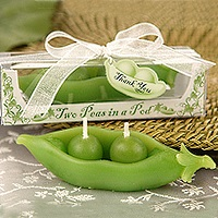 Two-peas-in-a-pod candle favors